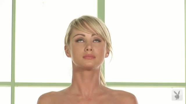 naked yoga sara